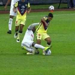 VIDEO. 'Chucho' López se retira entre lágrimas tras dura lesión ante el Olimpia