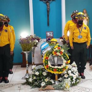 Homenaje póstumo a mayor Barrientos López