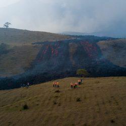 Alerta por nuevo flujo de lava del volcán de Pacaya que llega a Villa Canales