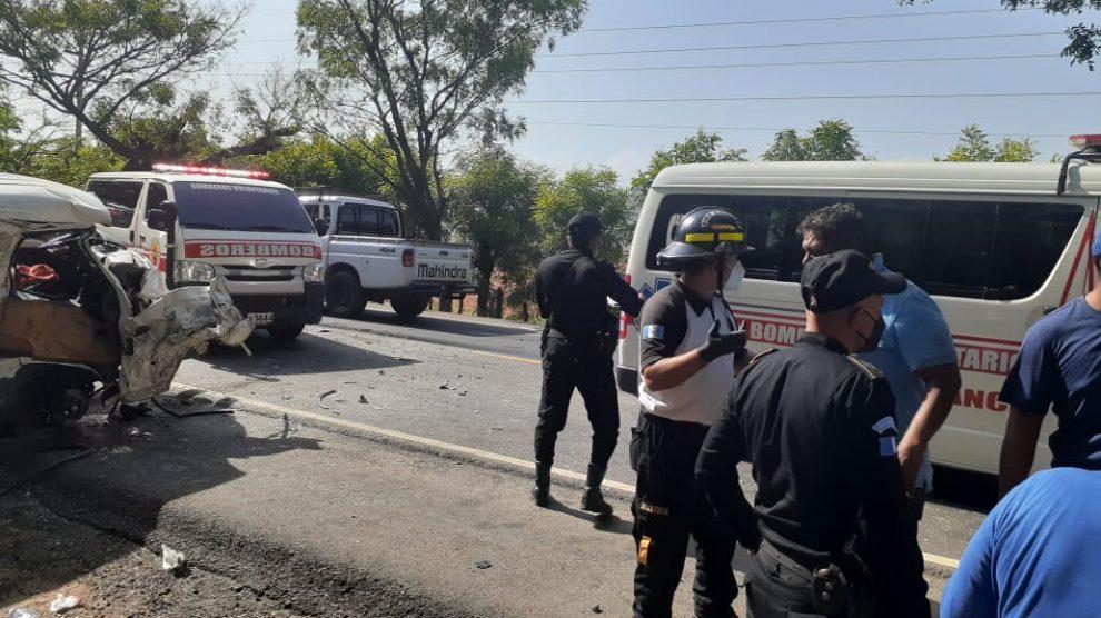 Una carroza fúnebre estuvo involucrada en accidente de tránsito.