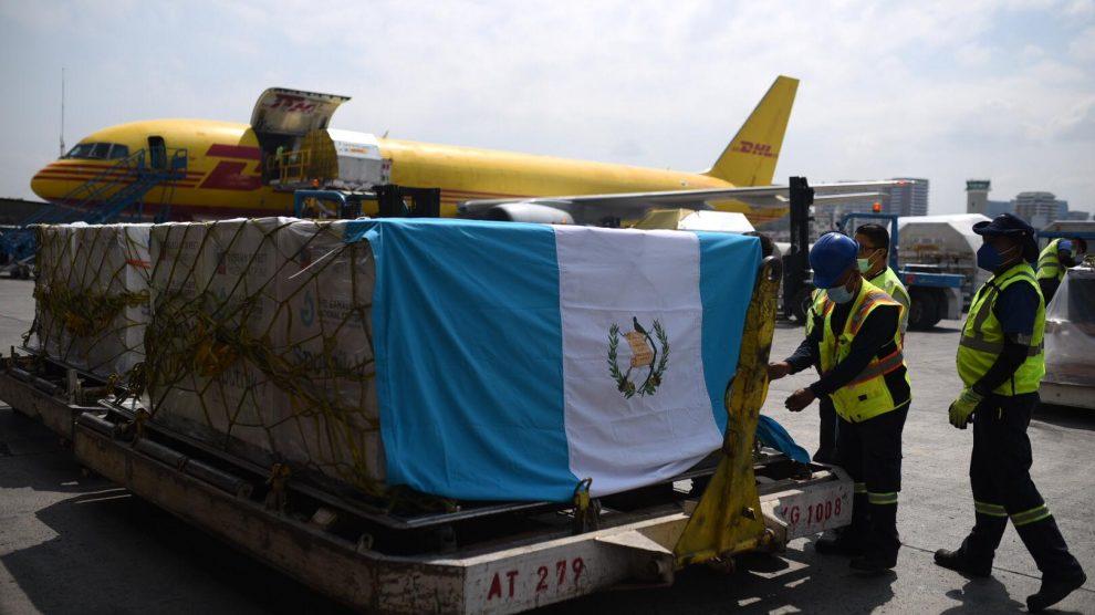 Llega a Guatemala el primer cargamento de vacunas Sputnik V, contra el COVID-19.