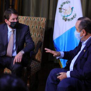 Senador Bill Hagerty se reúne con Alejandro Giammattei
