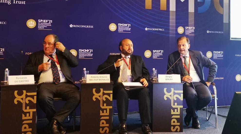 Antonio Malouf, ministro de Economía, destaca que el país tiene la capacidad de producir la vacuna Spuntik-V.