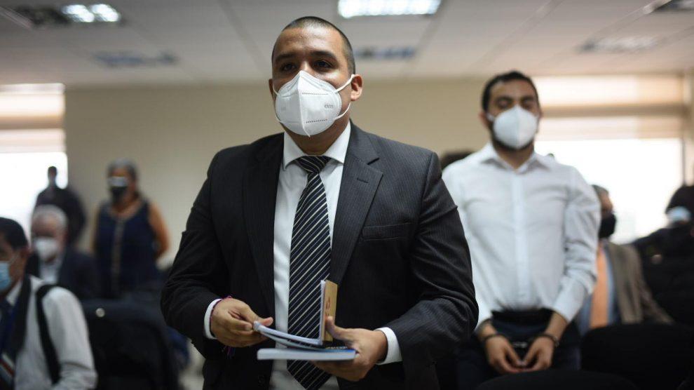 """Enfrentarán proceso penal Juan Francisco Solórzano Foppa y otros sospechosos en el caso """"Política y falsedad""""."""