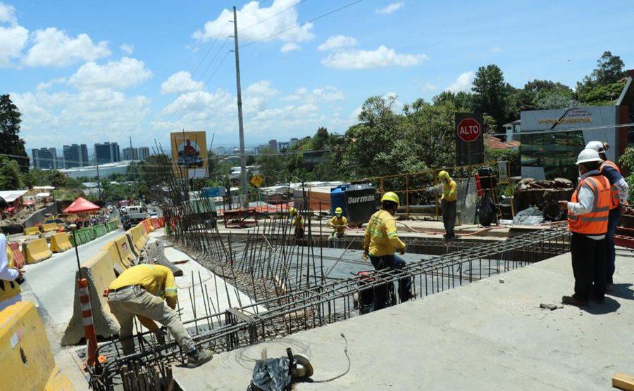 Alcalde Sebastián Siero supervisa avances en paso a desnivel Santa Catalina de Alejandría