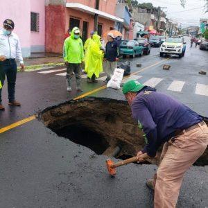 Hundimiento en colonia Pablo Sexto, zona 7 de Mixco