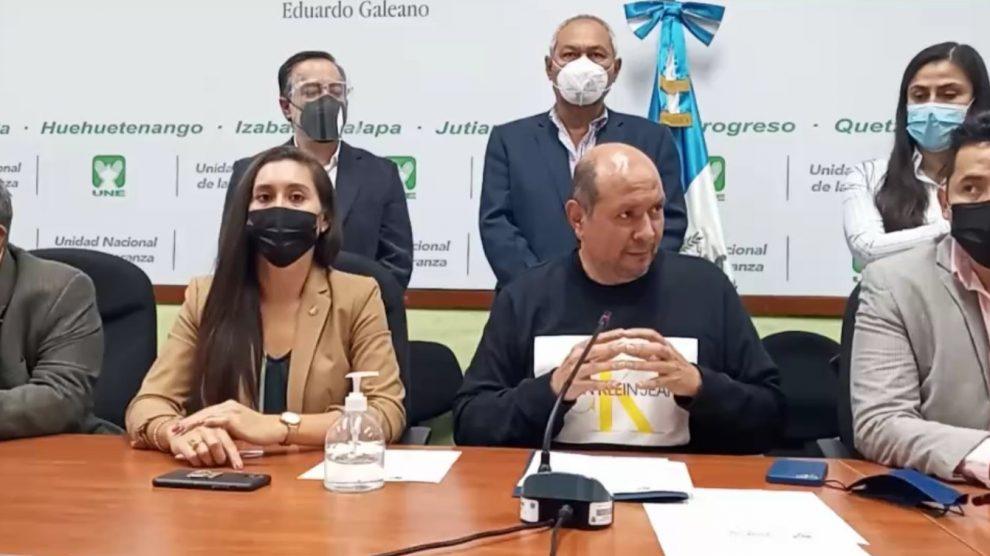 Diputados de la bancada Unidad Nacional de la Esperanza (UNE) enviaron una carta a Rusia pidiendo un cargamento de 3 mil vacunas contra el COVID-19.
