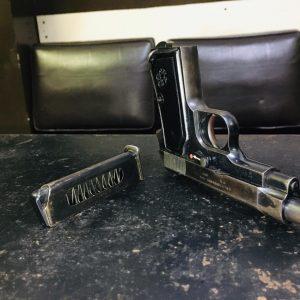 La Policía Nacional Civil (PNC) incautó un arma de fuego.