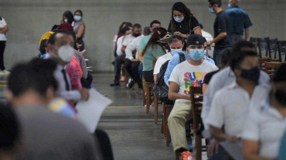 Proceso de vacunación contra el Covid-19 en Guatemala