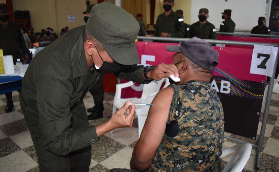 Ejército inicia vacunación contra el Covid-19