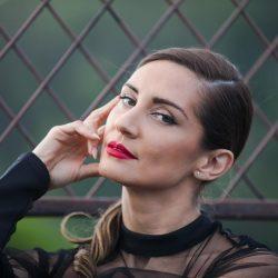 La zona íntima de la Miss Guatemala 2003 casi queda expuesta por utilizar revelador body