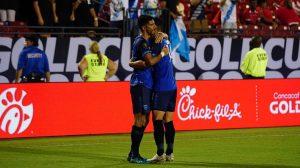 Gerardo Gordillo celebra la anotación para el empate de Guatemala ante Trinidad y Tobago