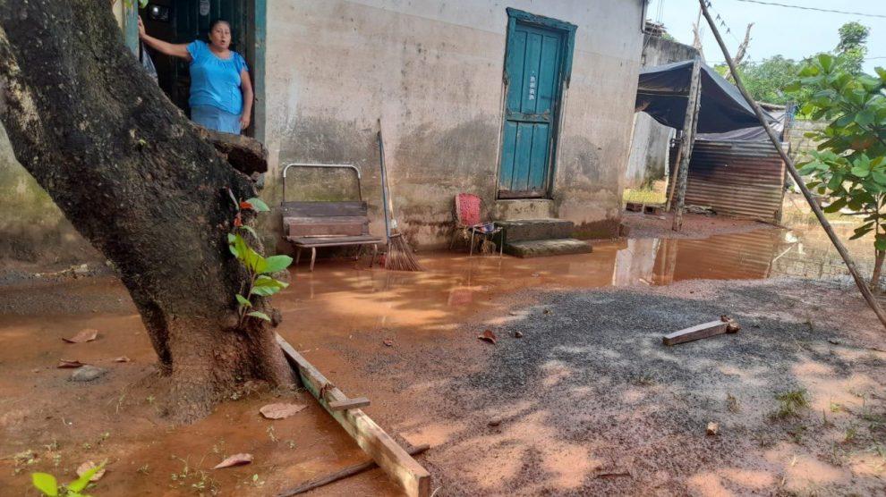 Daños por lluvia en Izabal.