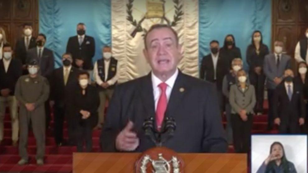 El gobierno de Guatemala impuso medidas para contener el contagio del COVID-19, informó el presidente, Alejandro Giammattei.