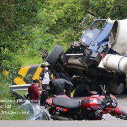 Accidente en ruta a San Pedro Ayampuc deja tres personas fallecidas