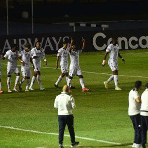 Saprissa derrotó en el Doroteo Guamuch Flores a Santa Lucía Cotzumalguapa