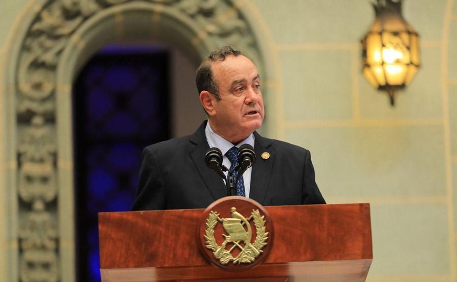 Alejandro Giammattei en el Palacio Nacional de la Cultura