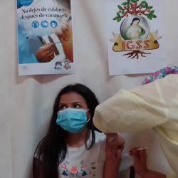 IGSS anuncia vacunación de segundas dosis para menores de edad